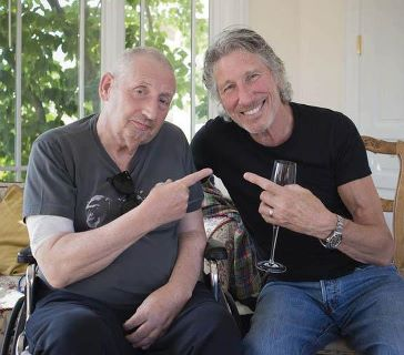 Photo of Roger Waters & his friend  Storm Thorgerson  -