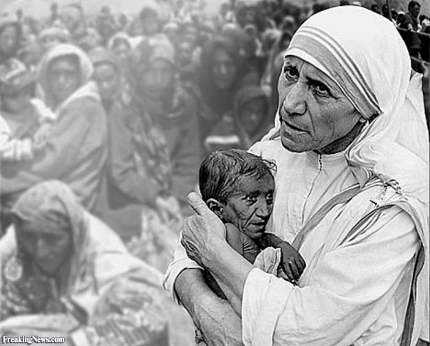 Mother-Theresa-with-Baby-Mother-Theresa-41801 (1)