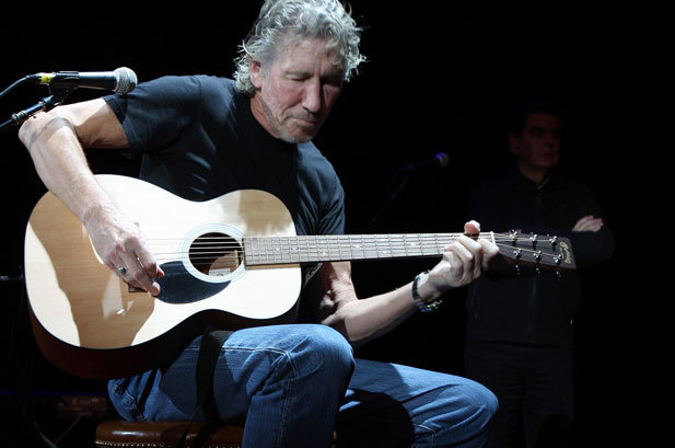 104048-roger_waters_617_409