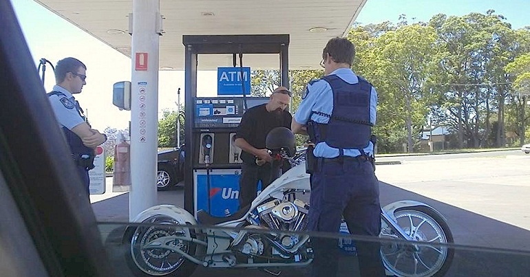 queensland-biker-gets-harrased-21-times-by-police (1)